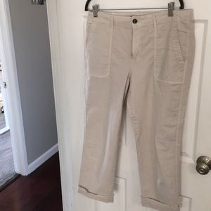Casual Chino Pants with side and back pockets